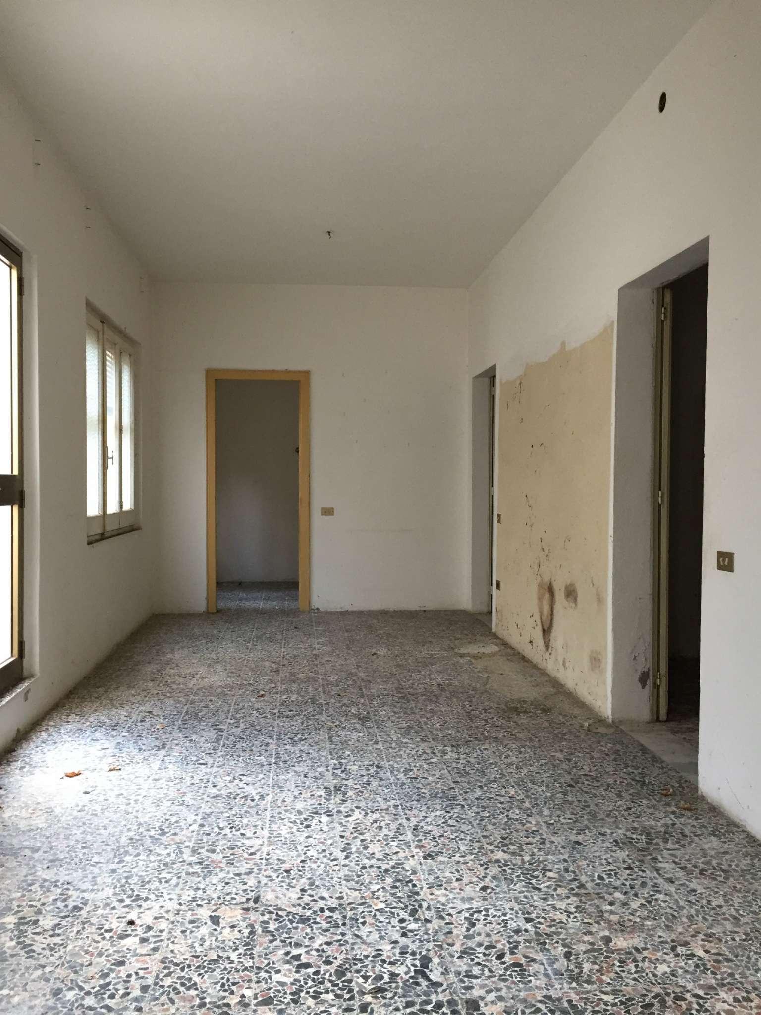 Soluzione Indipendente in vendita a Sinnai, 5 locali, prezzo € 115.000 | Cambio Casa.it