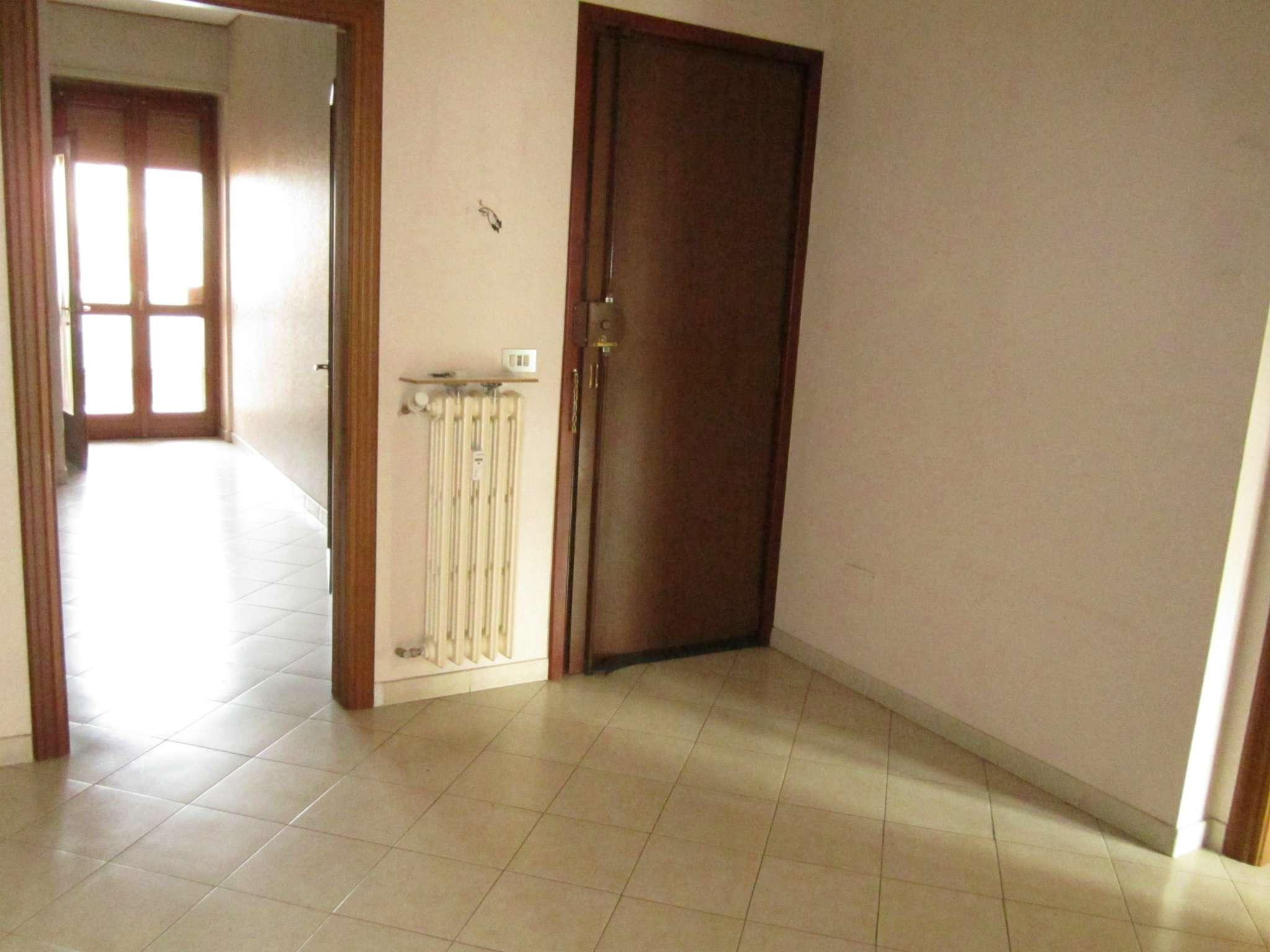 Appartamento in vendita a Nichelino, 3 locali, prezzo € 135.000   CambioCasa.it