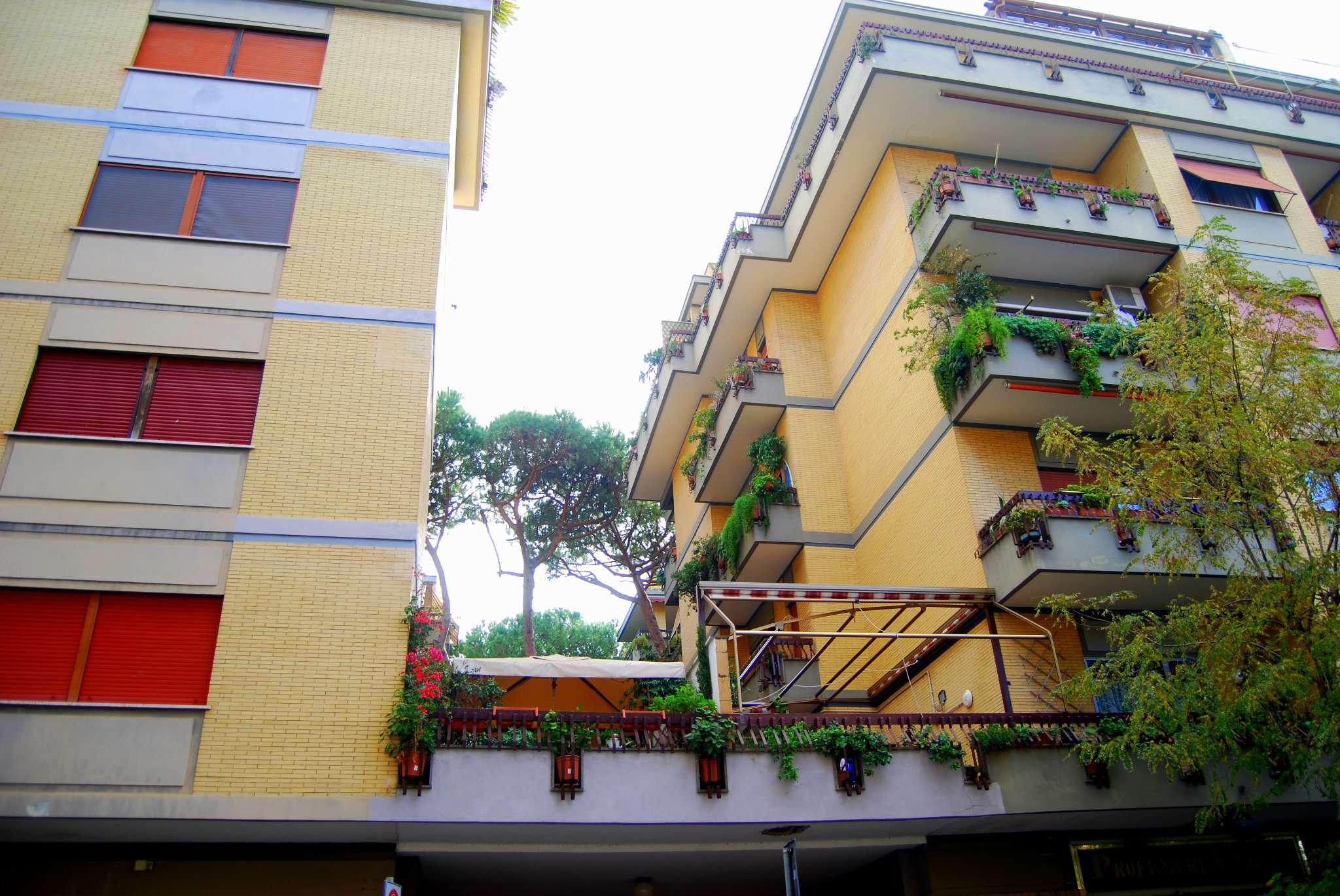Appartamento in vendita 3 vani 100 mq.  via diego simonetti Roma