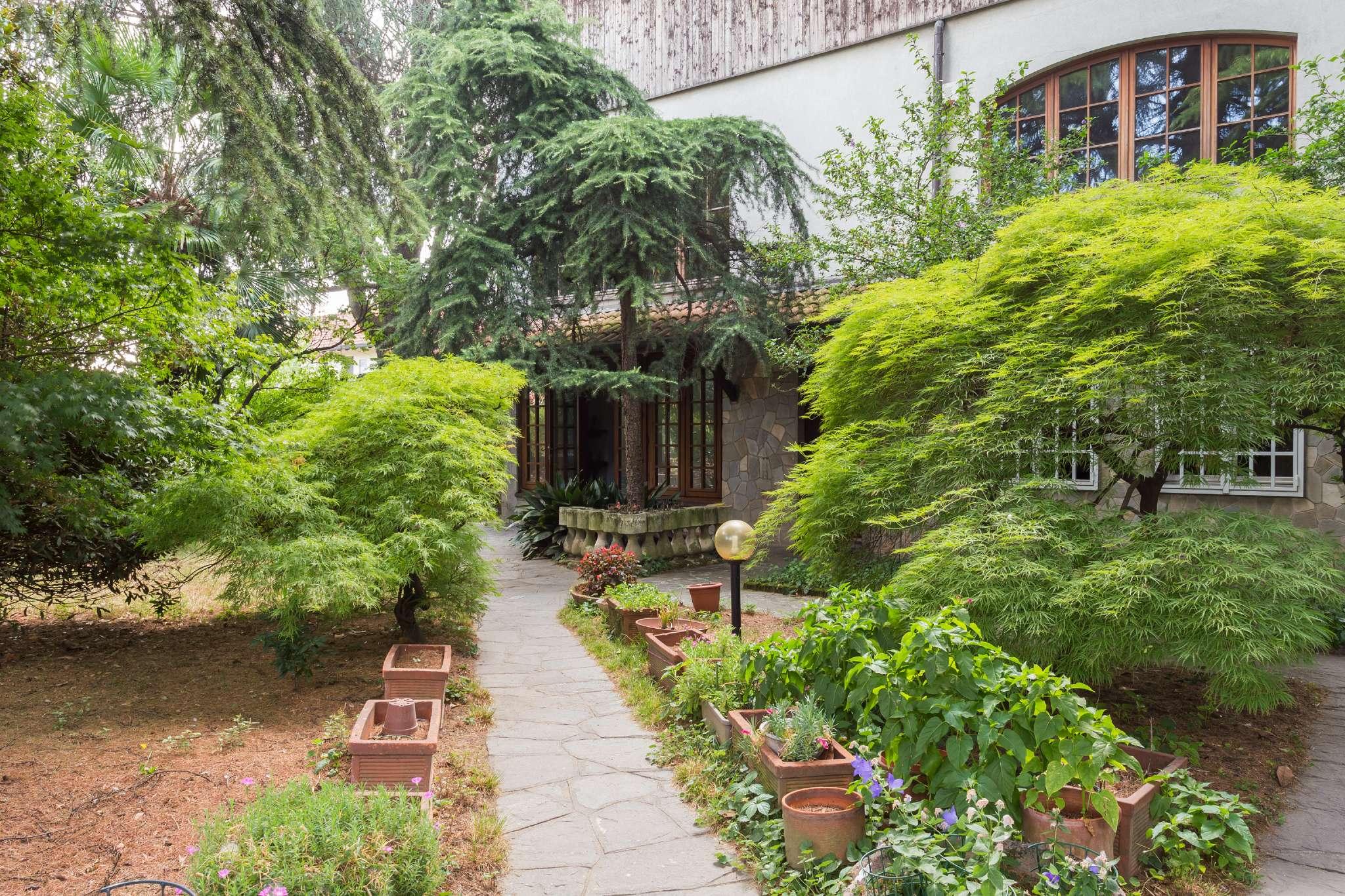 Villa in vendita a Rho, 6 locali, prezzo € 490.000 | CambioCasa.it