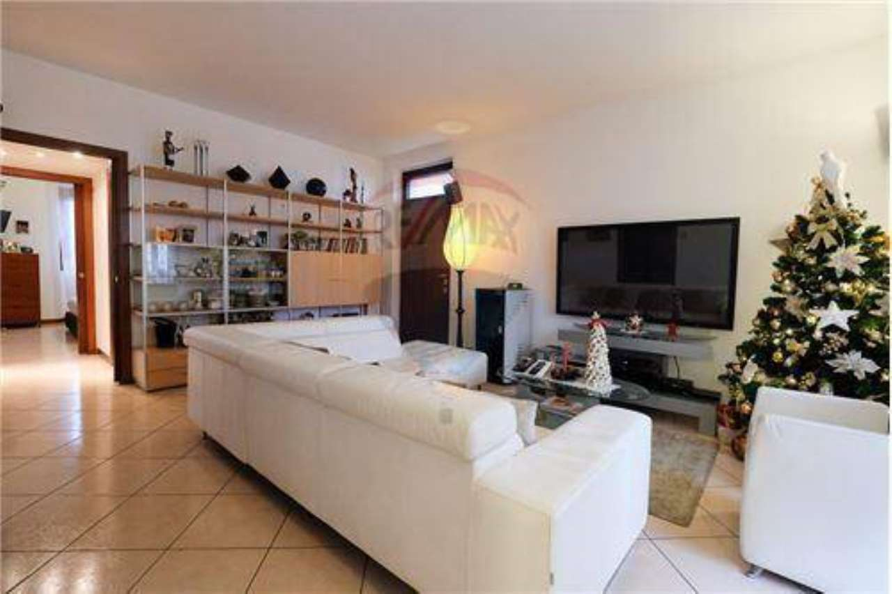 Villa in Vendita a Fara Gera d'Adda