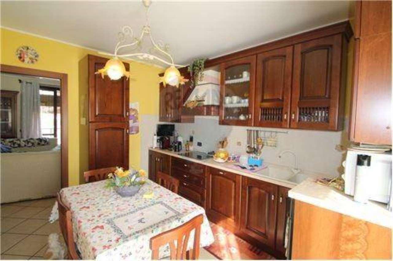 Appartamento in vendita a Mapello, 3 locali, prezzo € 159.000 | CambioCasa.it