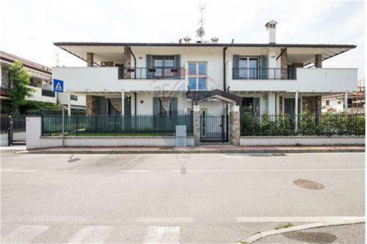 Appartamento in vendita a Grezzago, 3 locali, prezzo € 205.000 | CambioCasa.it