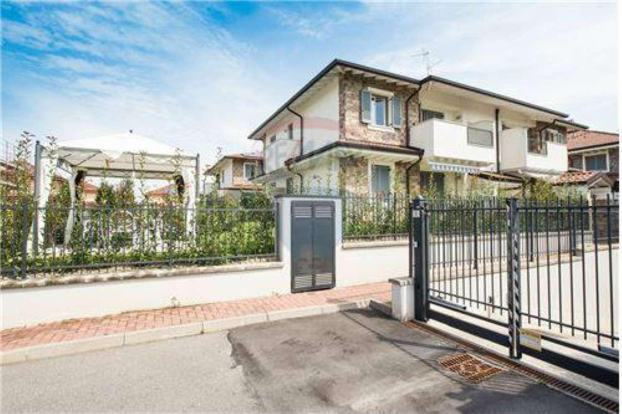 Appartamento in vendita a Grezzago, 3 locali, prezzo € 150.000 | CambioCasa.it