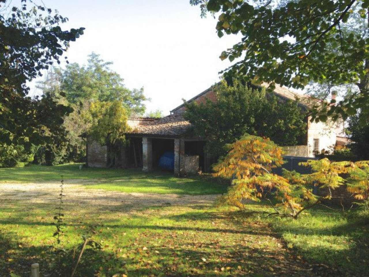 Rustico / Casale in vendita a Cesena, 8 locali, prezzo € 190.000 | CambioCasa.it