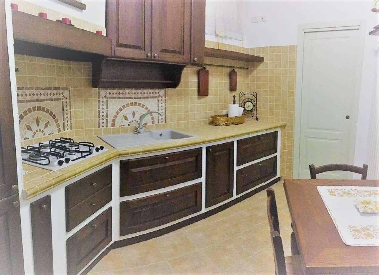 Appartamento in vendita a Cesena, 4 locali, prezzo € 160.000 | CambioCasa.it