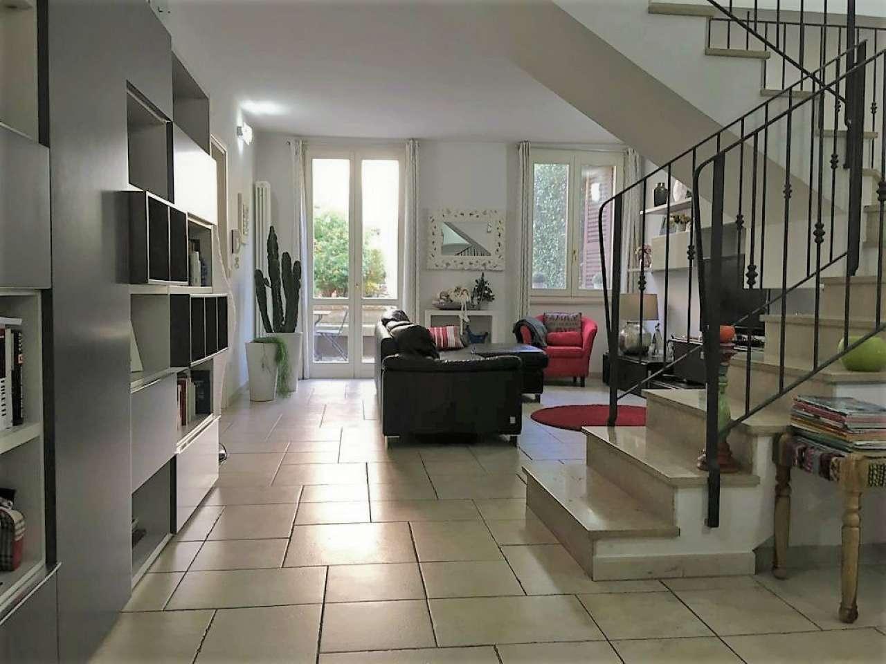 Palazzo / Stabile in vendita a Cesena, 10 locali, prezzo € 680.000   CambioCasa.it