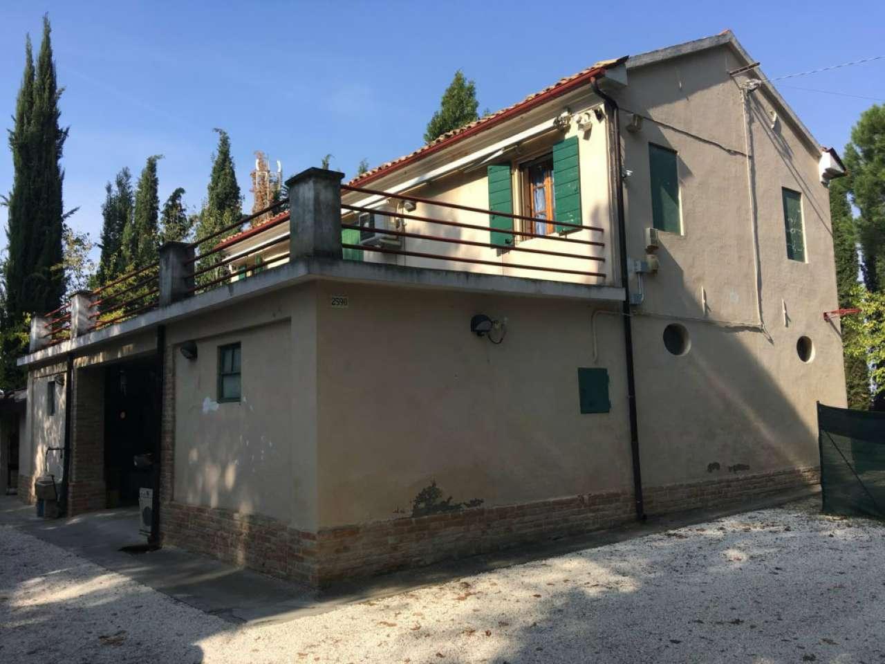 Rustico / Casale in vendita a Cesena, 10 locali, prezzo € 700.000 | CambioCasa.it