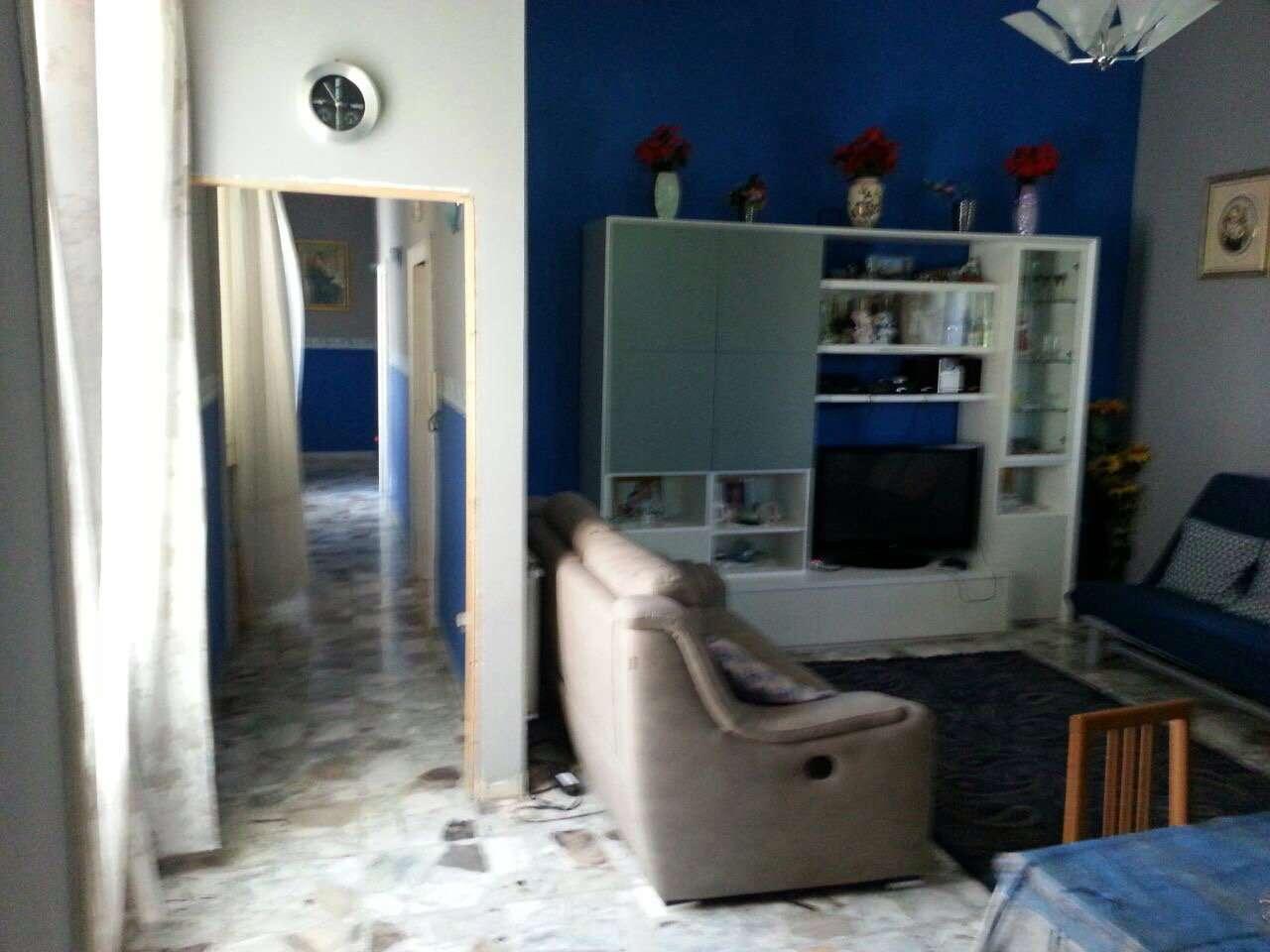 Appartamento in vendita 4 vani 110 mq.  via sibilla Napoli