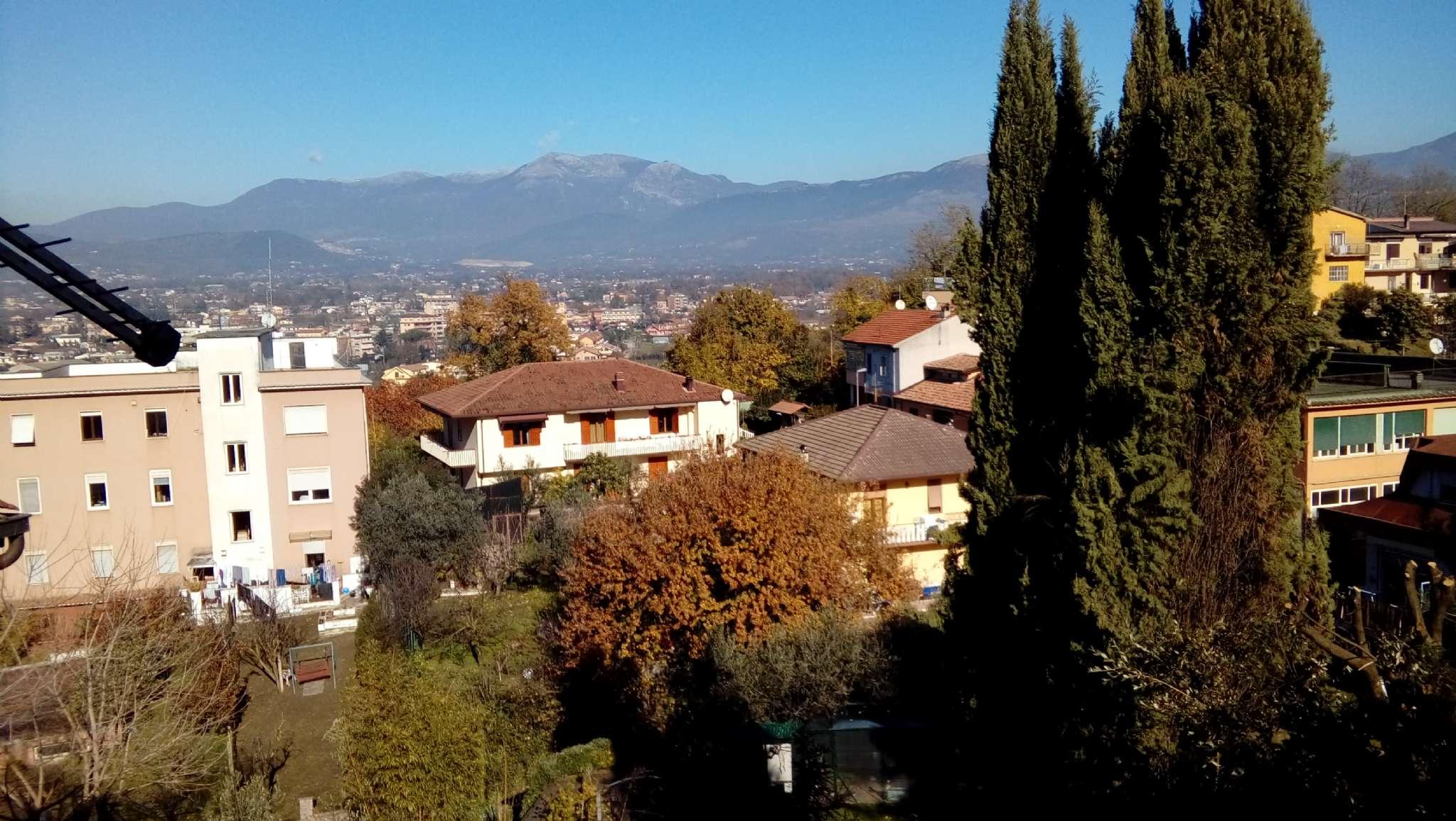 Soluzione Indipendente in vendita a Frosinone, 6 locali, prezzo € 80.000 | CambioCasa.it