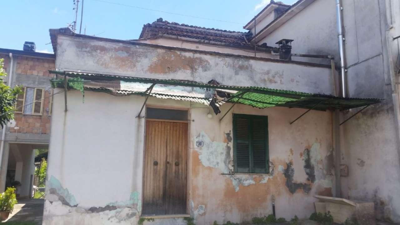 Rustico / Casale in vendita a Frosinone, 3 locali, prezzo € 15.000 | CambioCasa.it