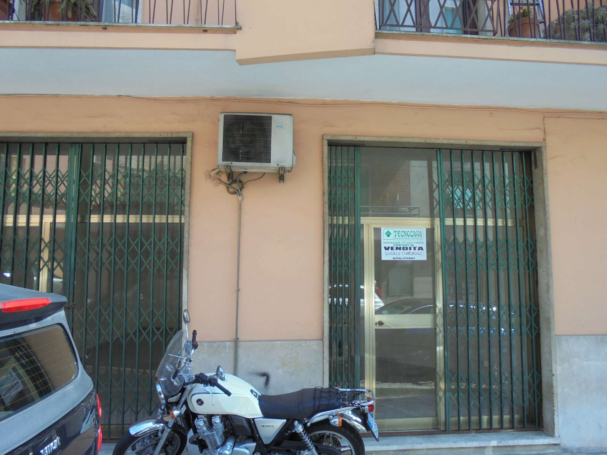 Negozio / Locale in affitto a Frosinone, 1 locali, prezzo € 300 | CambioCasa.it