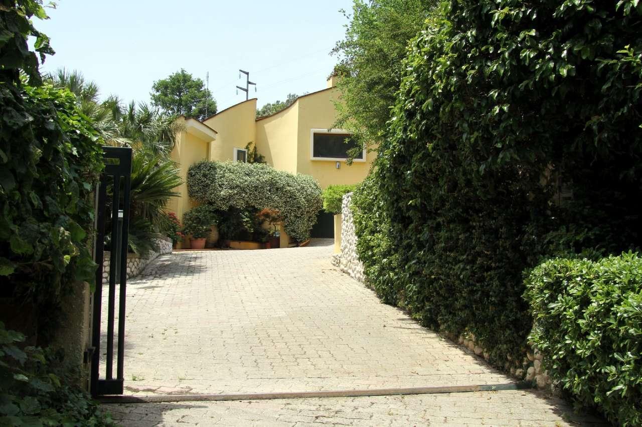Villa in vendita a Sora, 5 locali, prezzo € 650.000 | CambioCasa.it