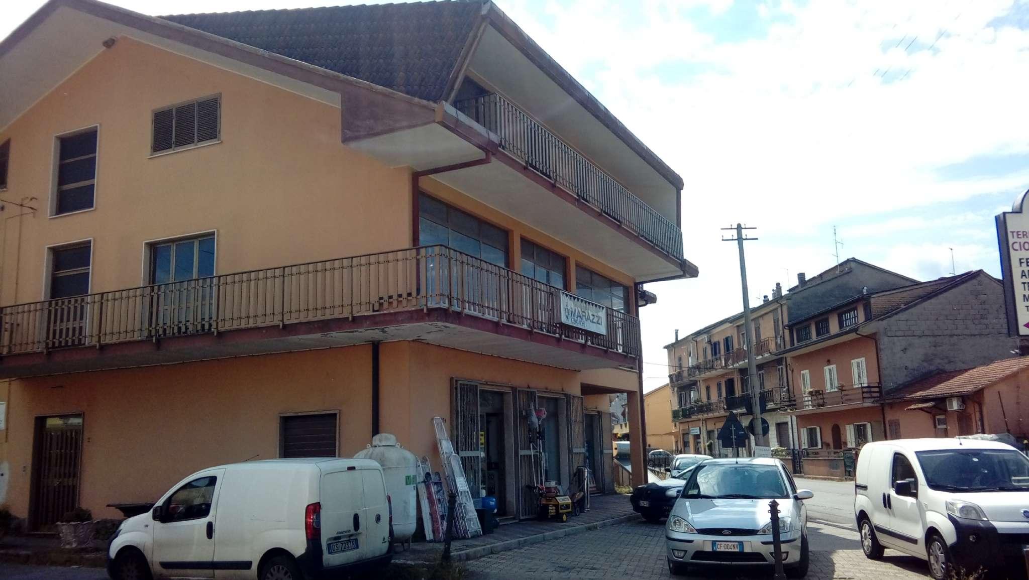Negozio / Locale in affitto a Ceccano, 1 locali, prezzo € 950 | CambioCasa.it