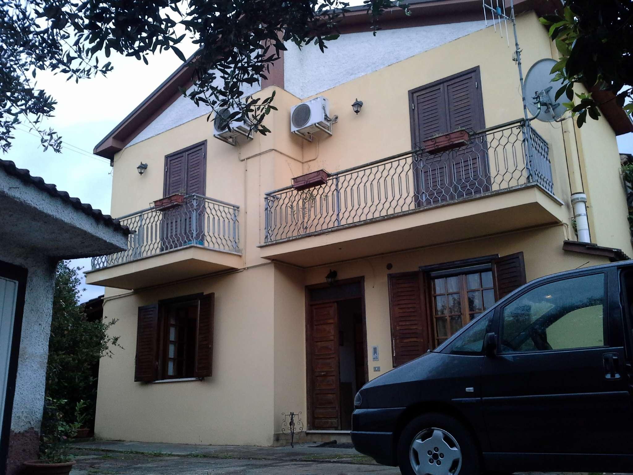 Casa indipendente 6 locali in vendita a Frosinone (FR)