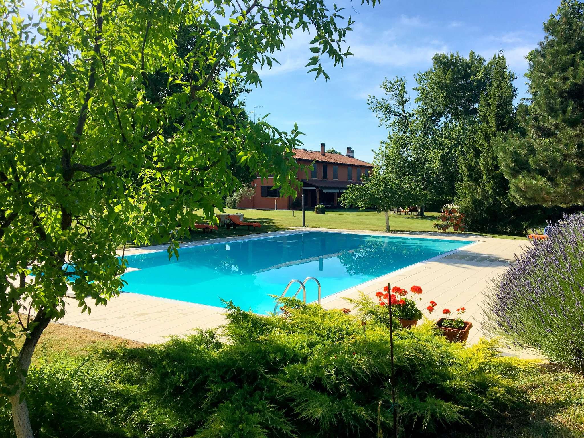 Villa in vendita a Monte San Pietro, 10 locali, prezzo € 1.590.000 | CambioCasa.it