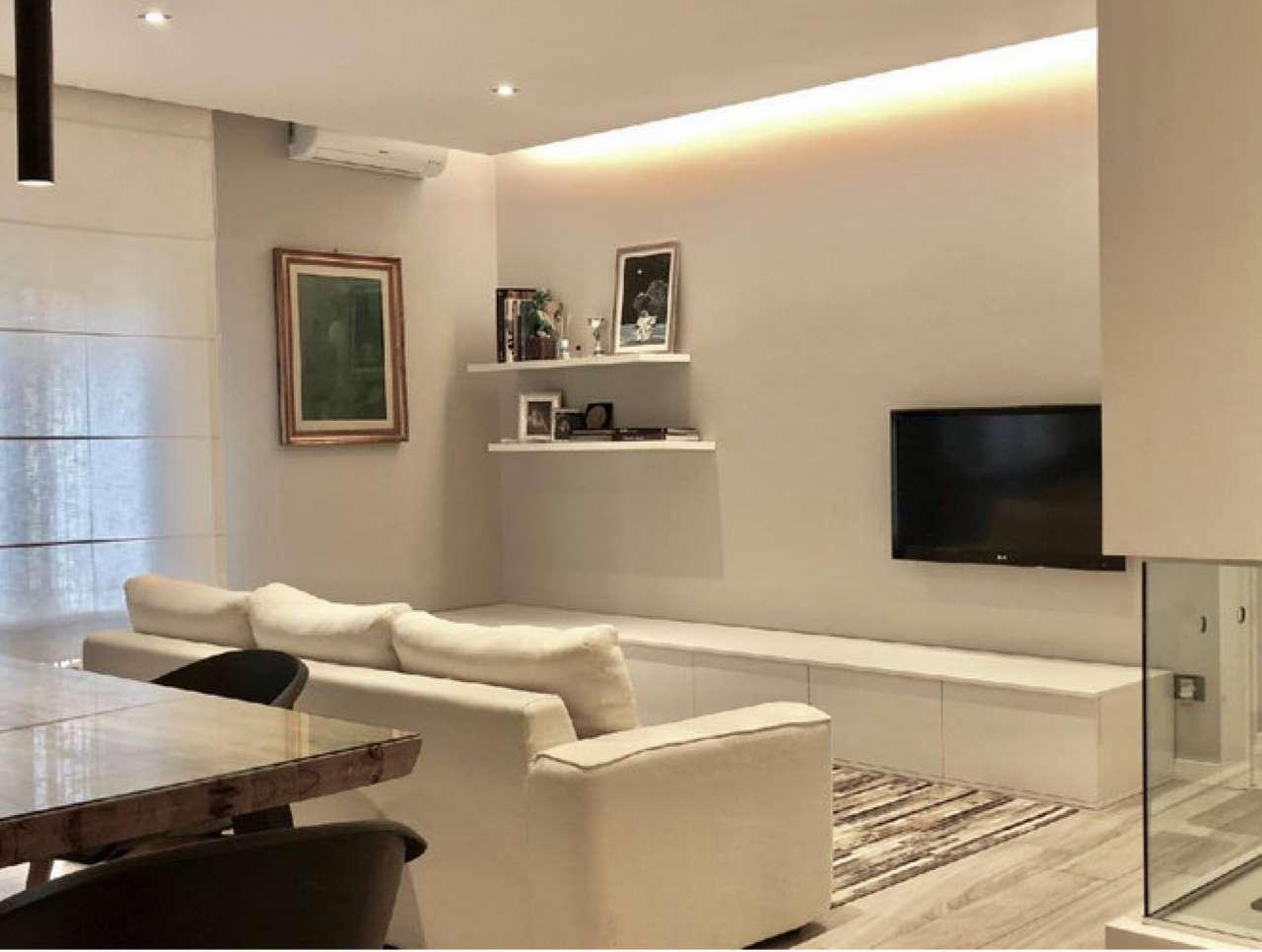 Appartamento in vendita 3 vani 90 mq.  via della Foscherara Bologna
