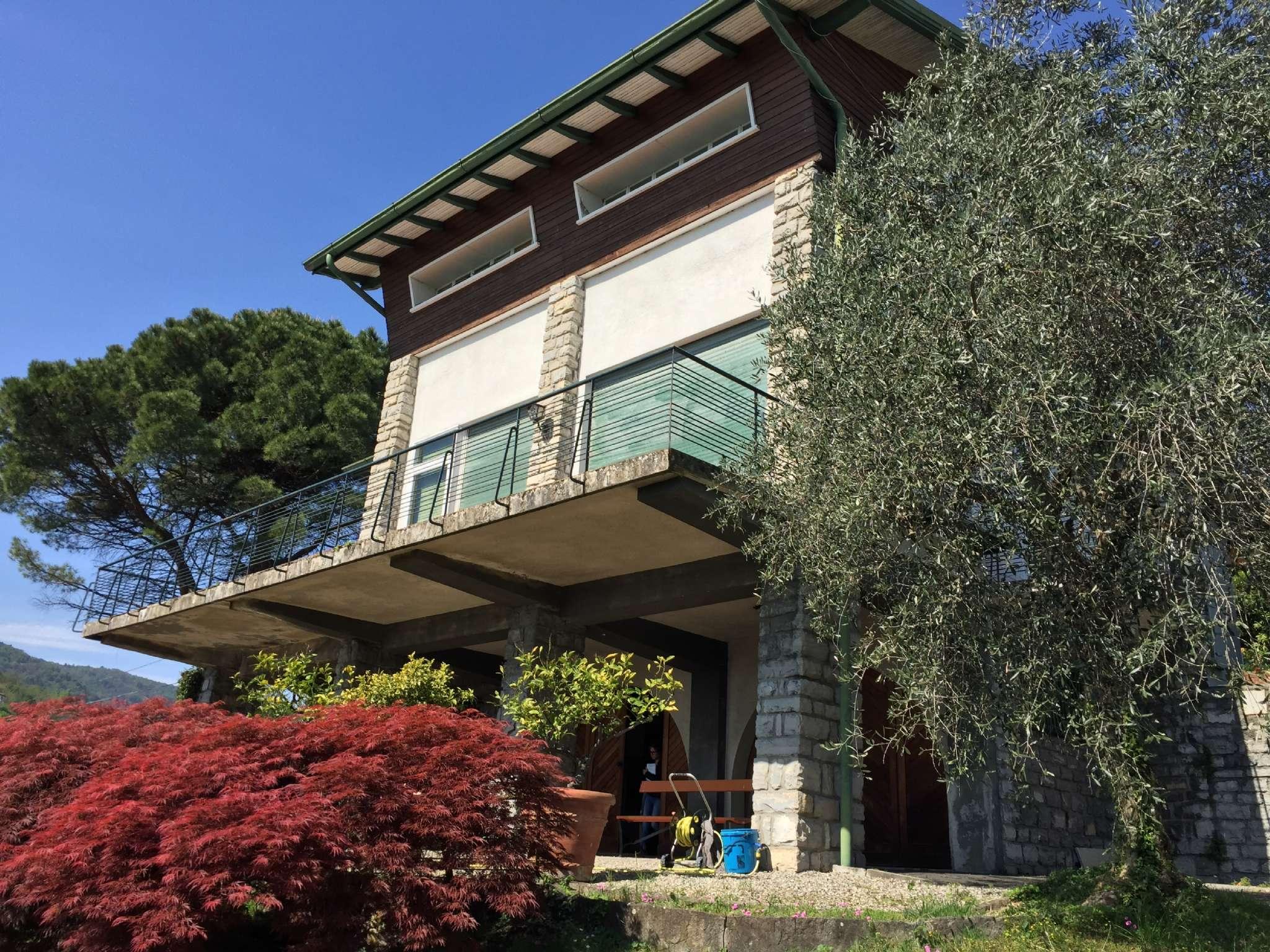 Villa in Vendita a Bellagio