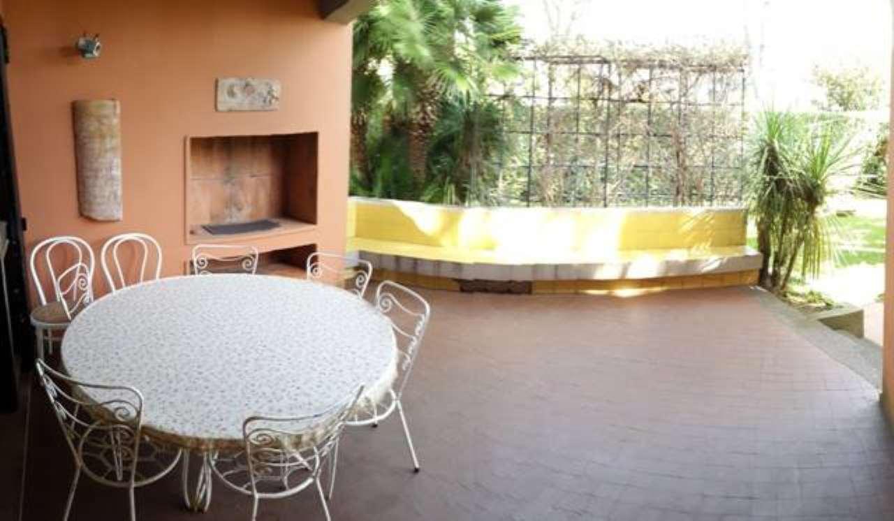 Villa in affitto a San Felice Circeo, 4 locali, prezzo € 4.000 | CambioCasa.it