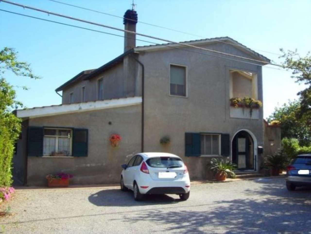 Rustico / Casale in vendita a Orbetello, 5 locali, prezzo € 170.000   CambioCasa.it