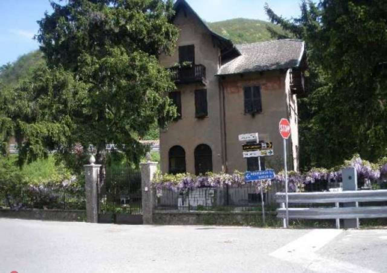 Villa in Vendita a Ronco Scrivia