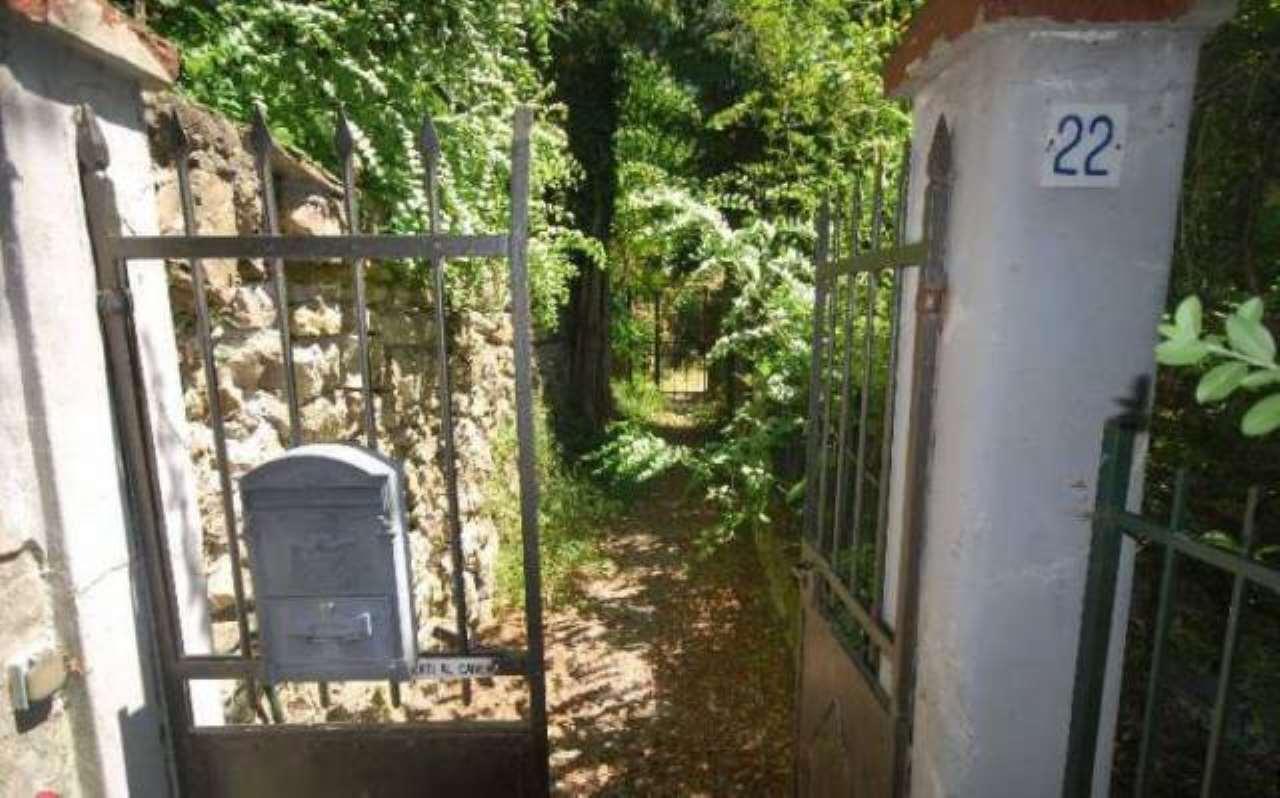 Appartamento in vendita a Isola del Cantone, 6 locali, prezzo € 60.000 | CambioCasa.it
