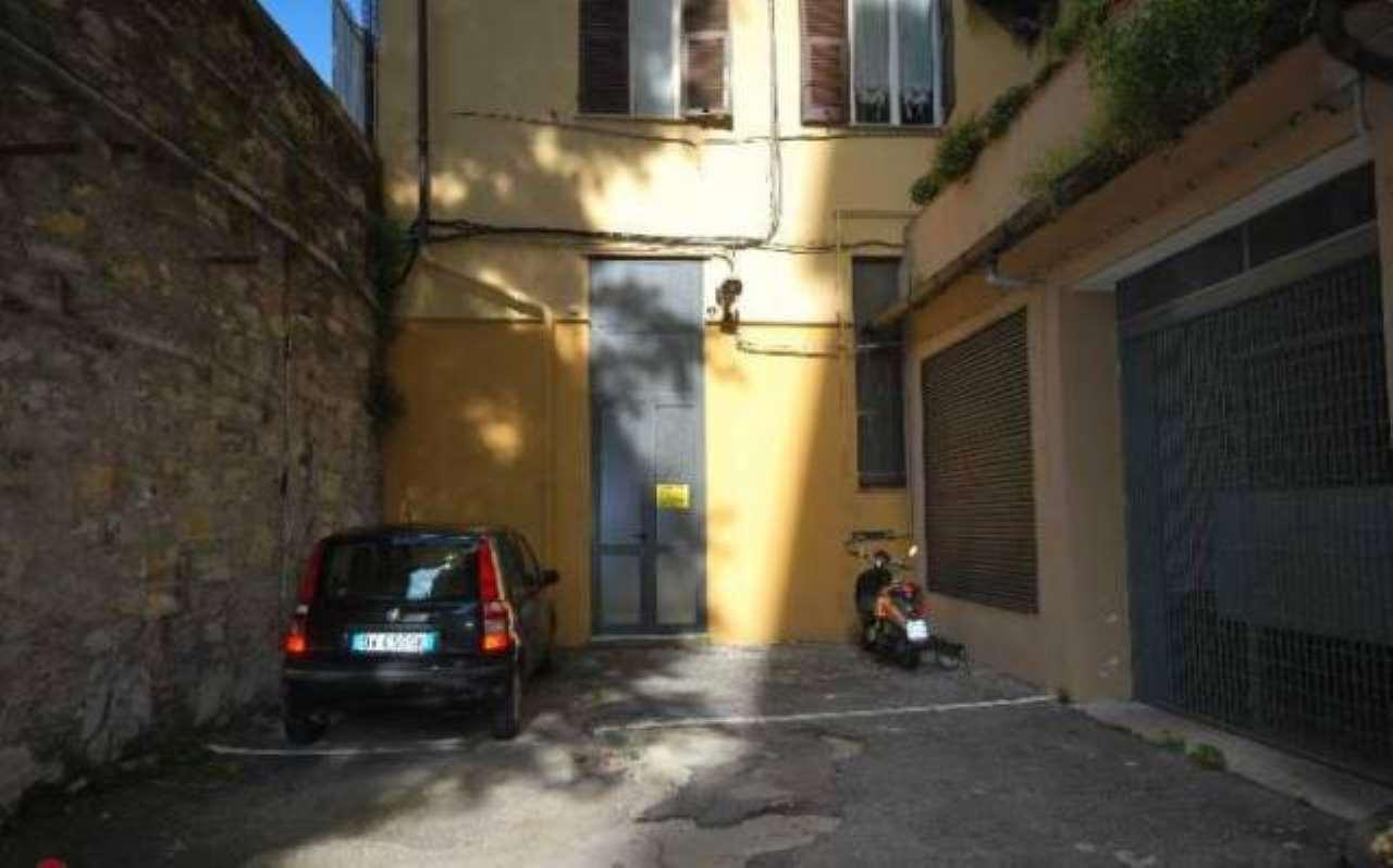 Laboratorio in vendita a Genova, 3 locali, prezzo € 190.000 | CambioCasa.it