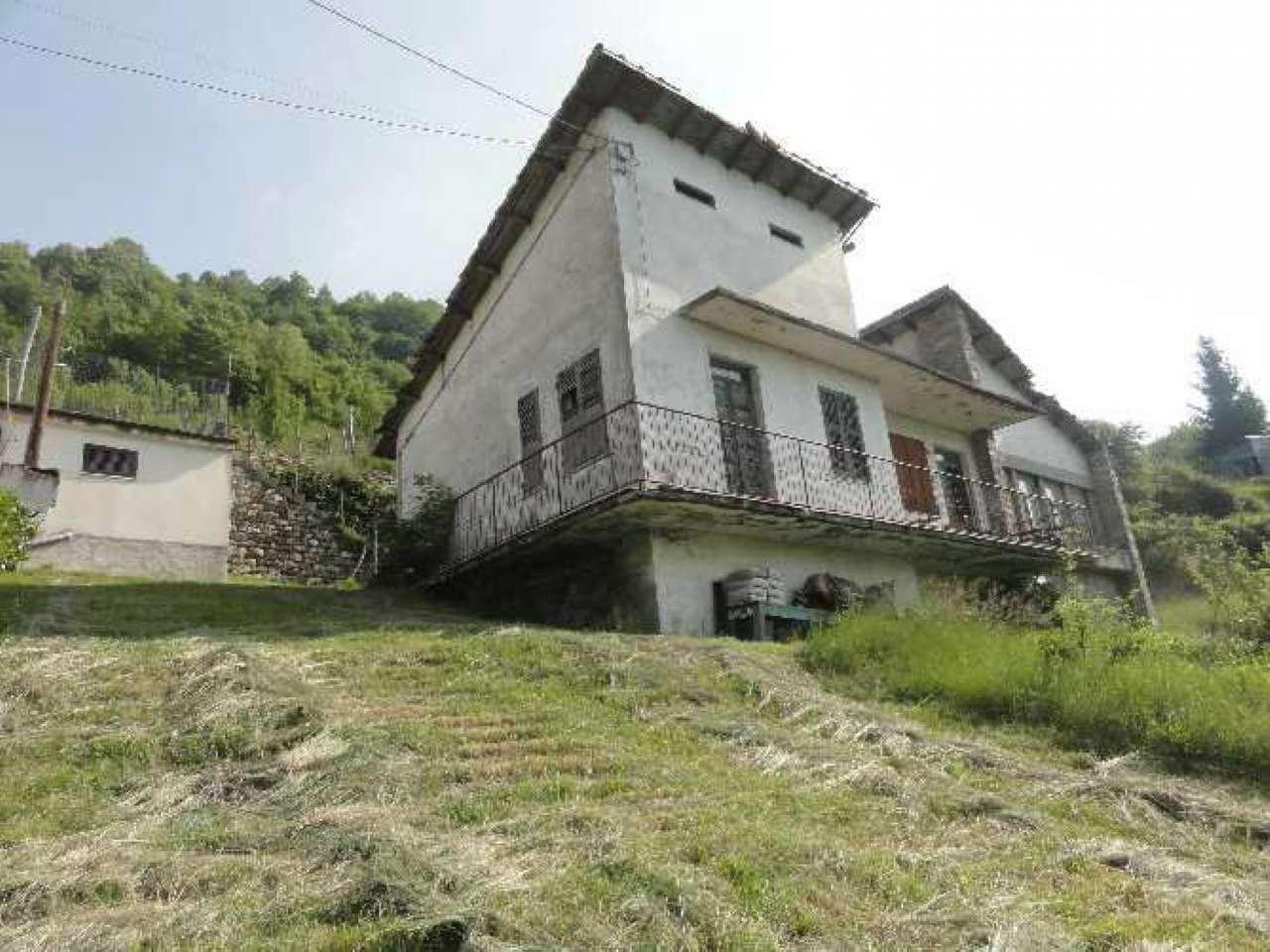 Soluzione Indipendente in vendita a Gorreto, 8 locali, prezzo € 35.000   CambioCasa.it
