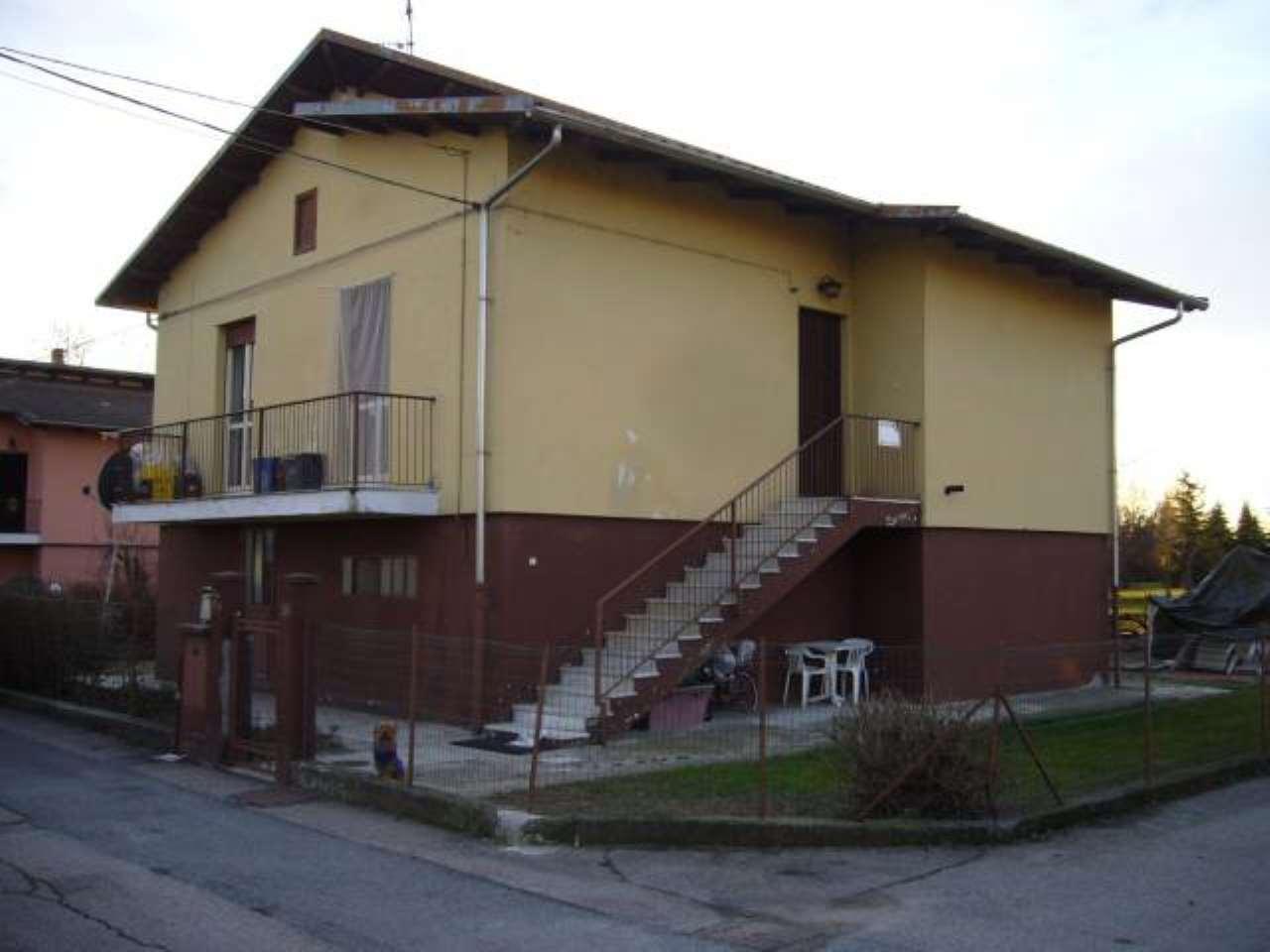 Villa in vendita a Salasco, 4 locali, prezzo € 60.000   CambioCasa.it