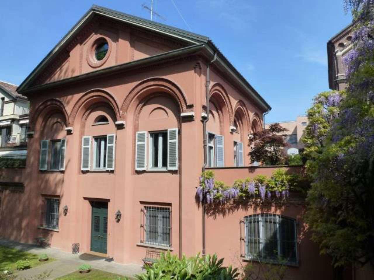 Villa in vendita a Vercelli, 6 locali, prezzo € 550.000 | CambioCasa.it