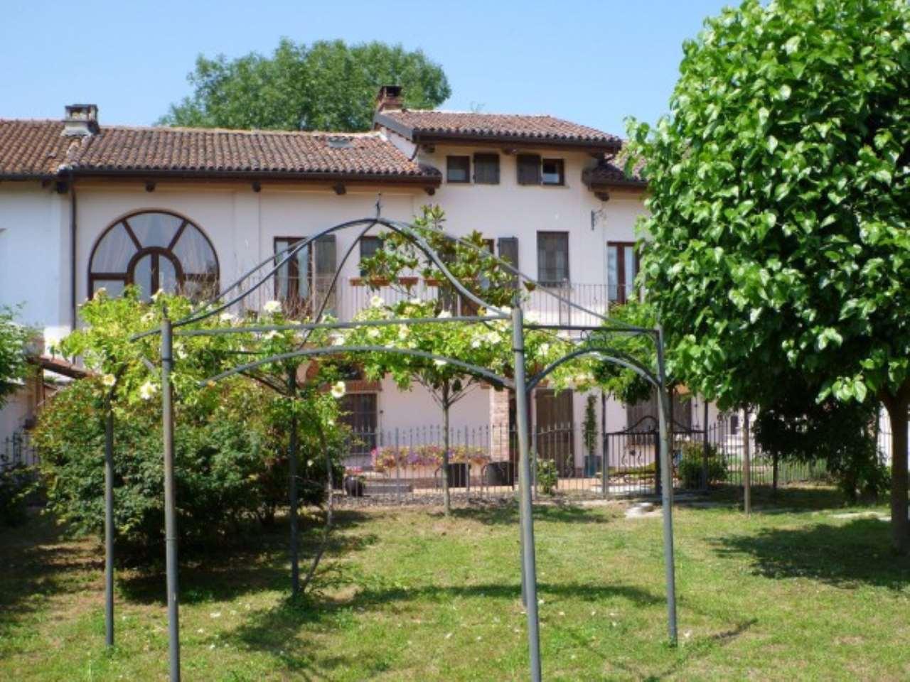 Rustico / Casale in vendita a Pezzana, 6 locali, prezzo € 340.000 | CambioCasa.it