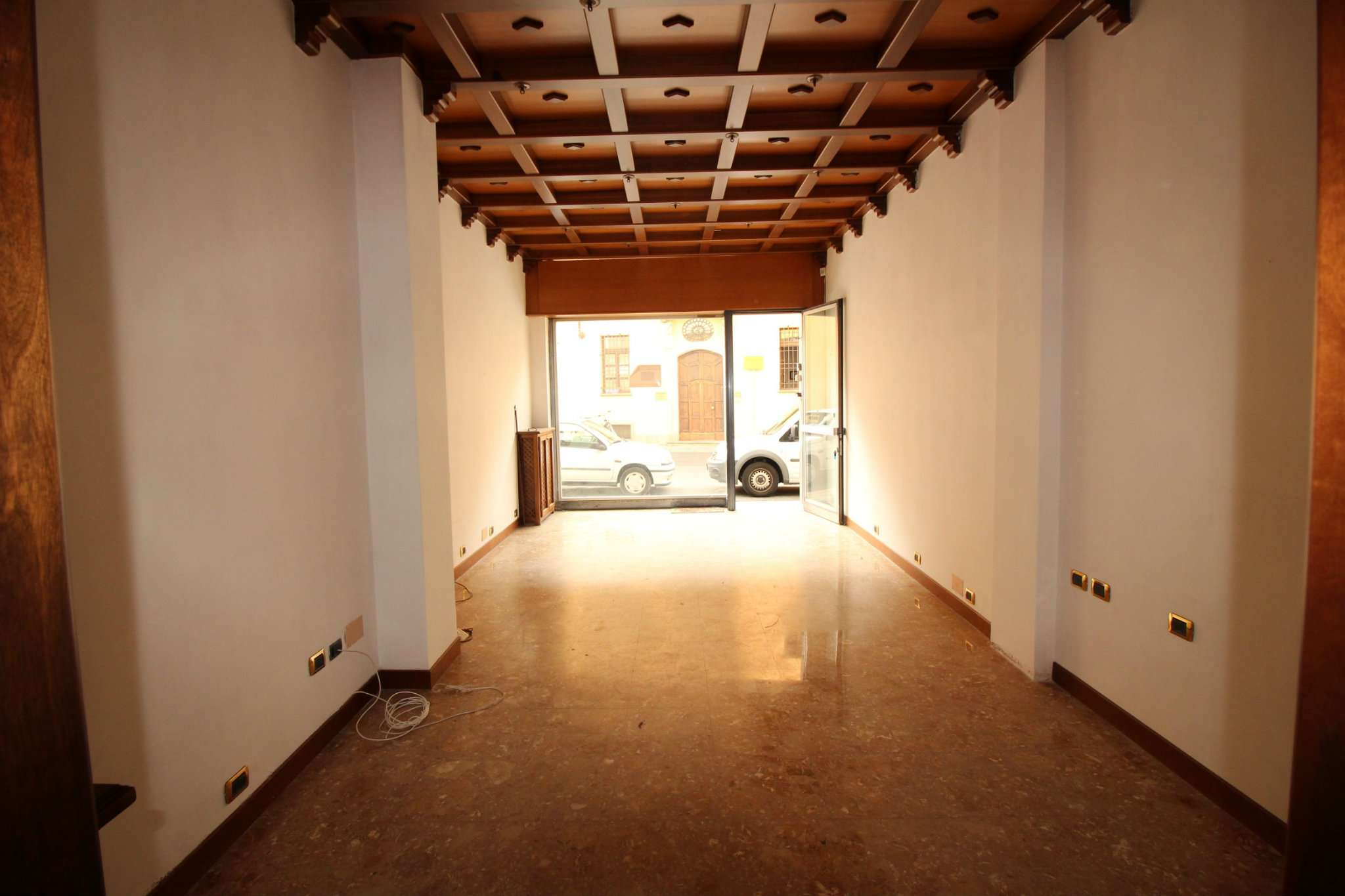 Immobile Commerciale in affitto a Vercelli-http://media.getrix.it/1/6846/2577160420_hd.jpg