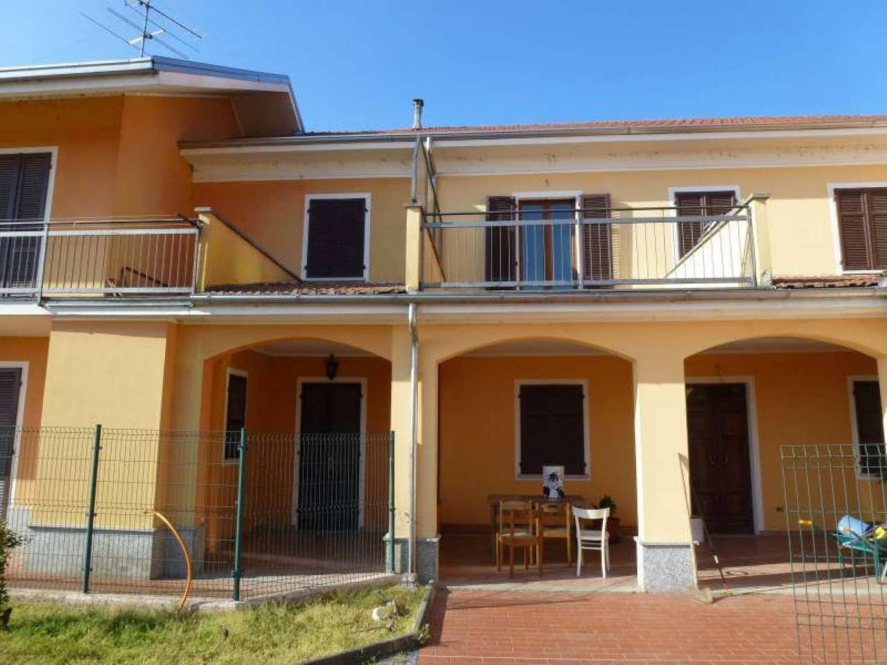 Villa Bifamiliare in vendita a Asigliano Vercellese, 6 locali, prezzo € 185.000 | CambioCasa.it