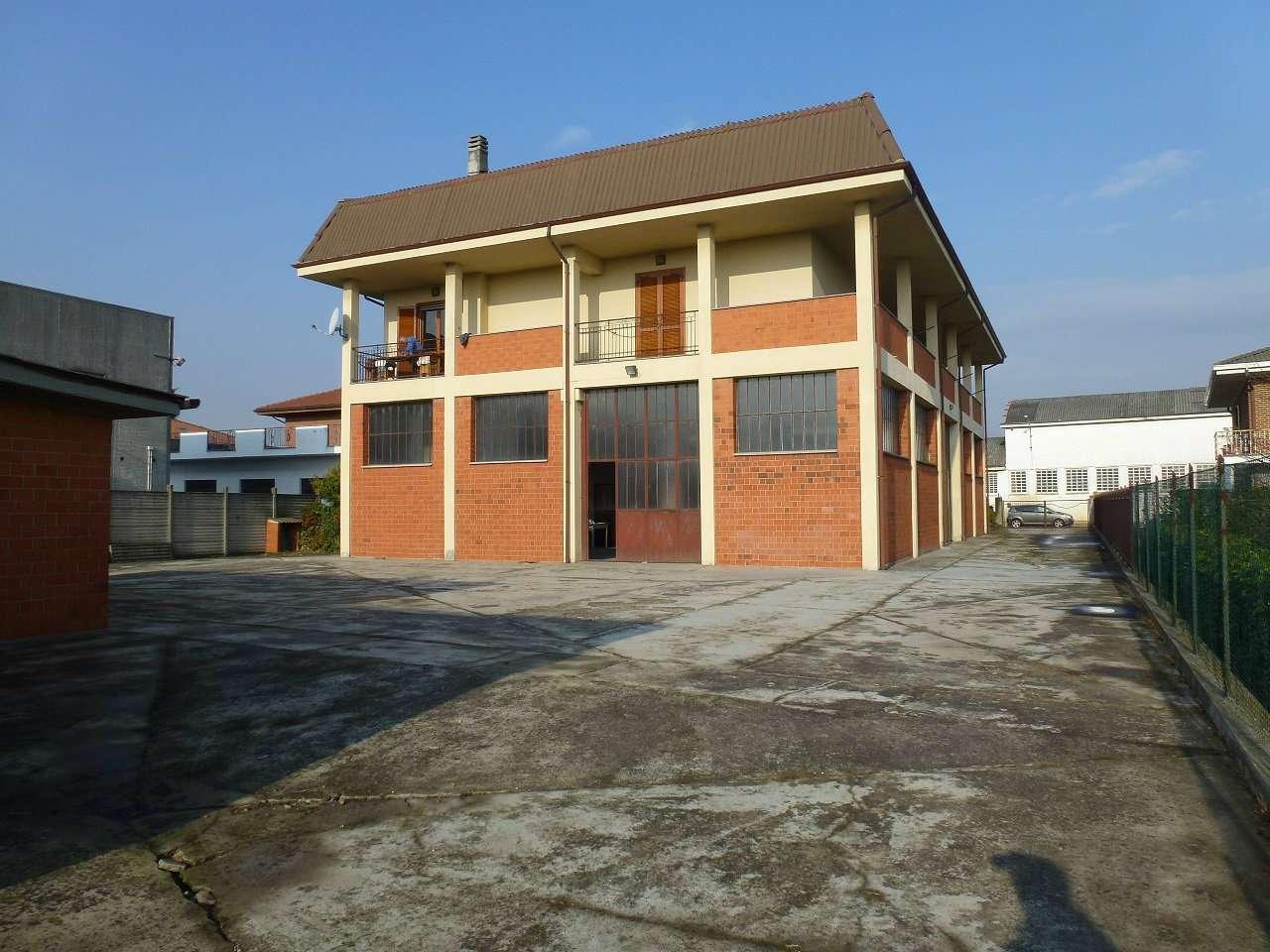 Appartamento in vendita a Caresanablot, 4 locali, prezzo € 320.000 | CambioCasa.it