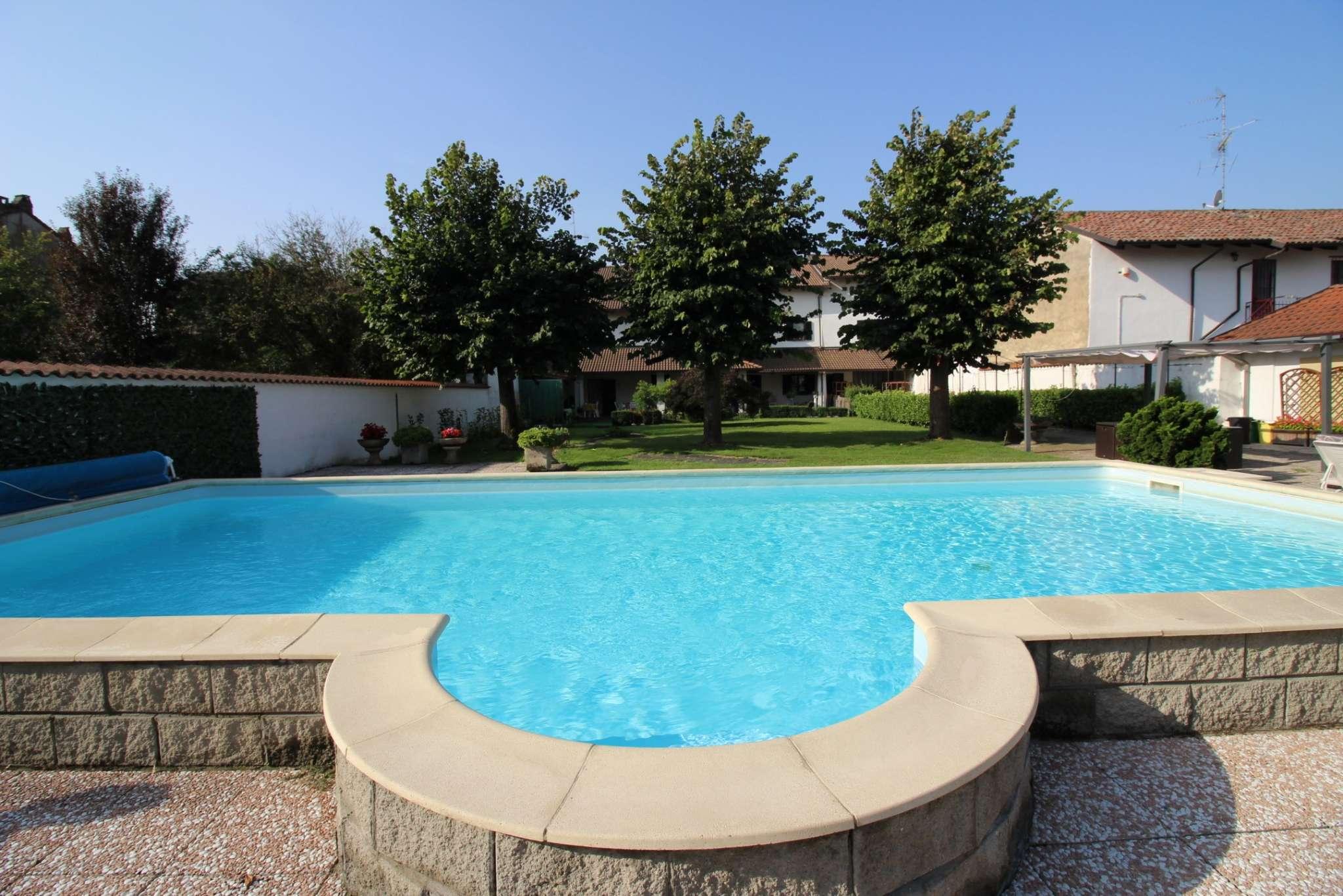 Villa in vendita a Asigliano Vercellese, 12 locali, prezzo € 580.000 | CambioCasa.it
