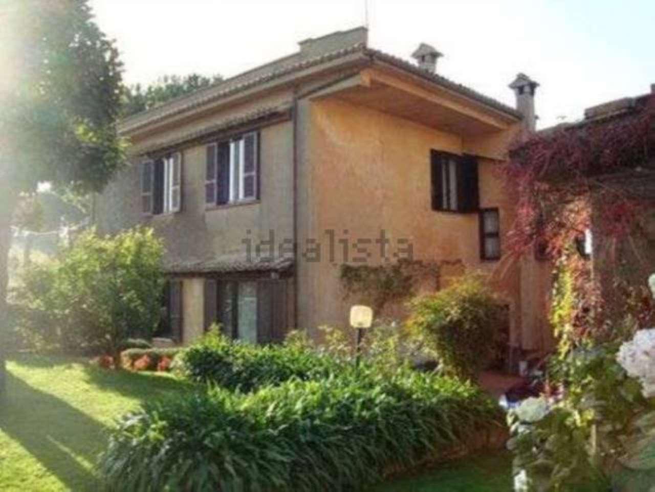 Rustico / Casale in vendita a Albano Laziale, 4 locali, prezzo € 430.000 | CambioCasa.it