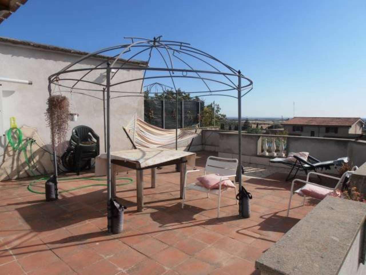 Villa in vendita a Albano Laziale, 4 locali, prezzo € 185.000 | CambioCasa.it