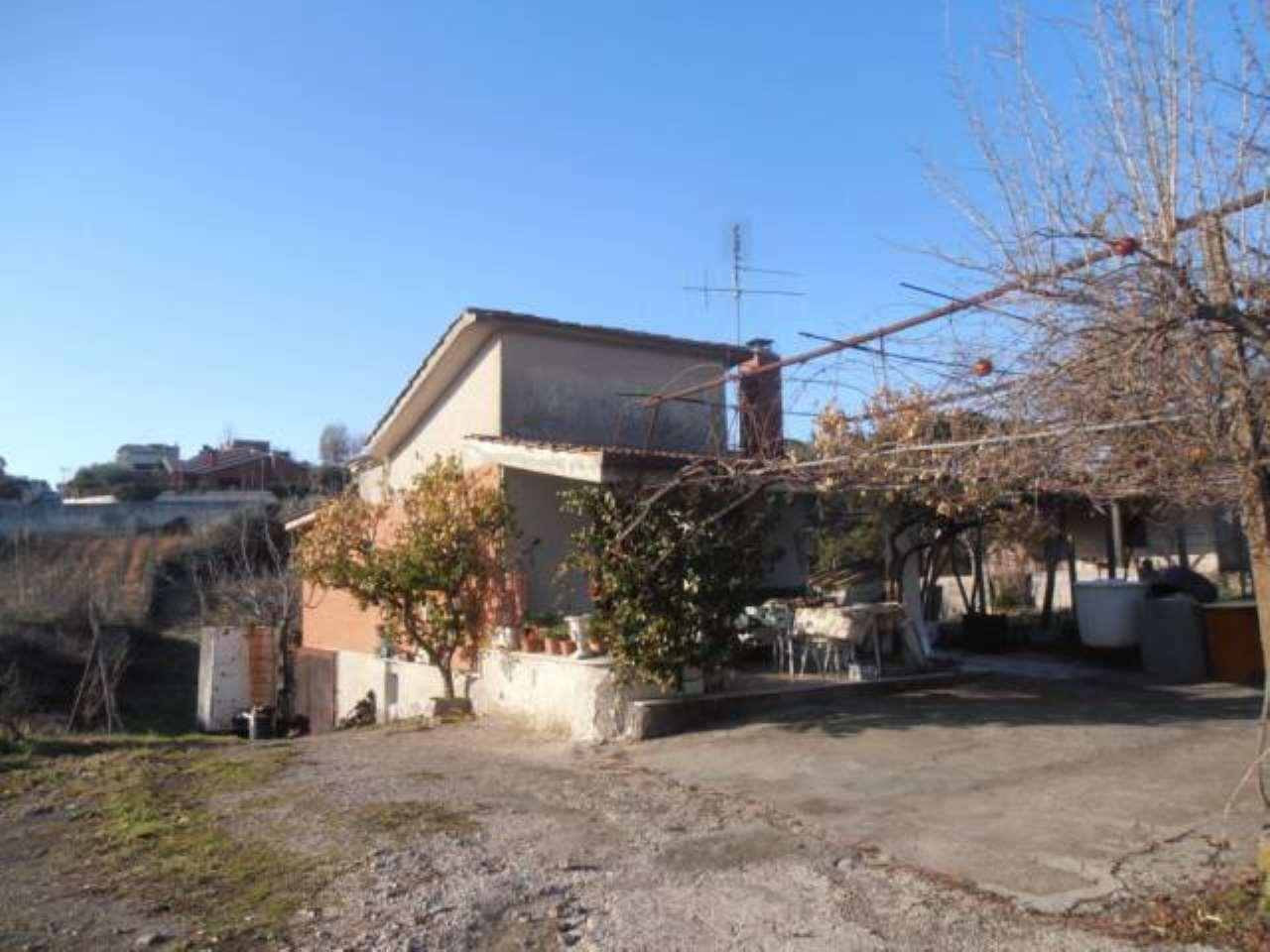 Villa in vendita a Genzano di Roma, 3 locali, prezzo € 160.000 | CambioCasa.it