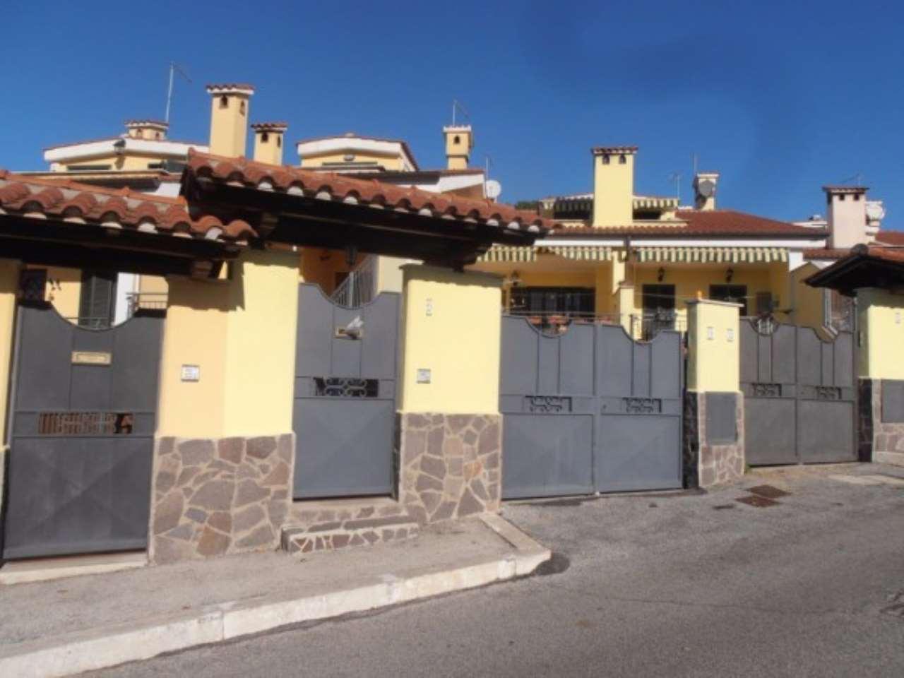 Villa in vendita a Albano Laziale, 4 locali, prezzo € 235.000 | CambioCasa.it