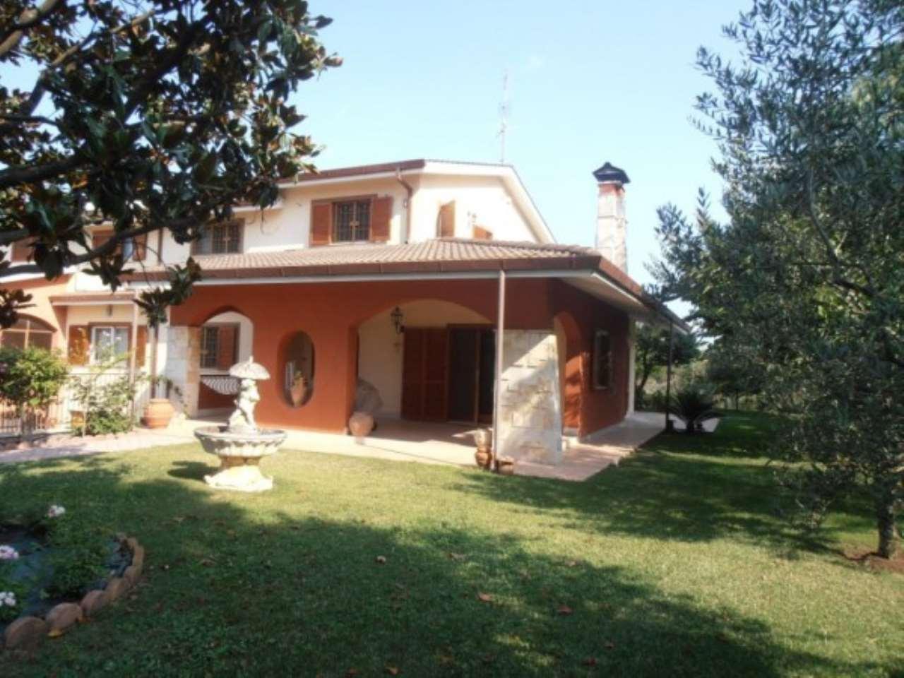 Villa in vendita a Ariccia, 6 locali, prezzo € 439.000 | CambioCasa.it