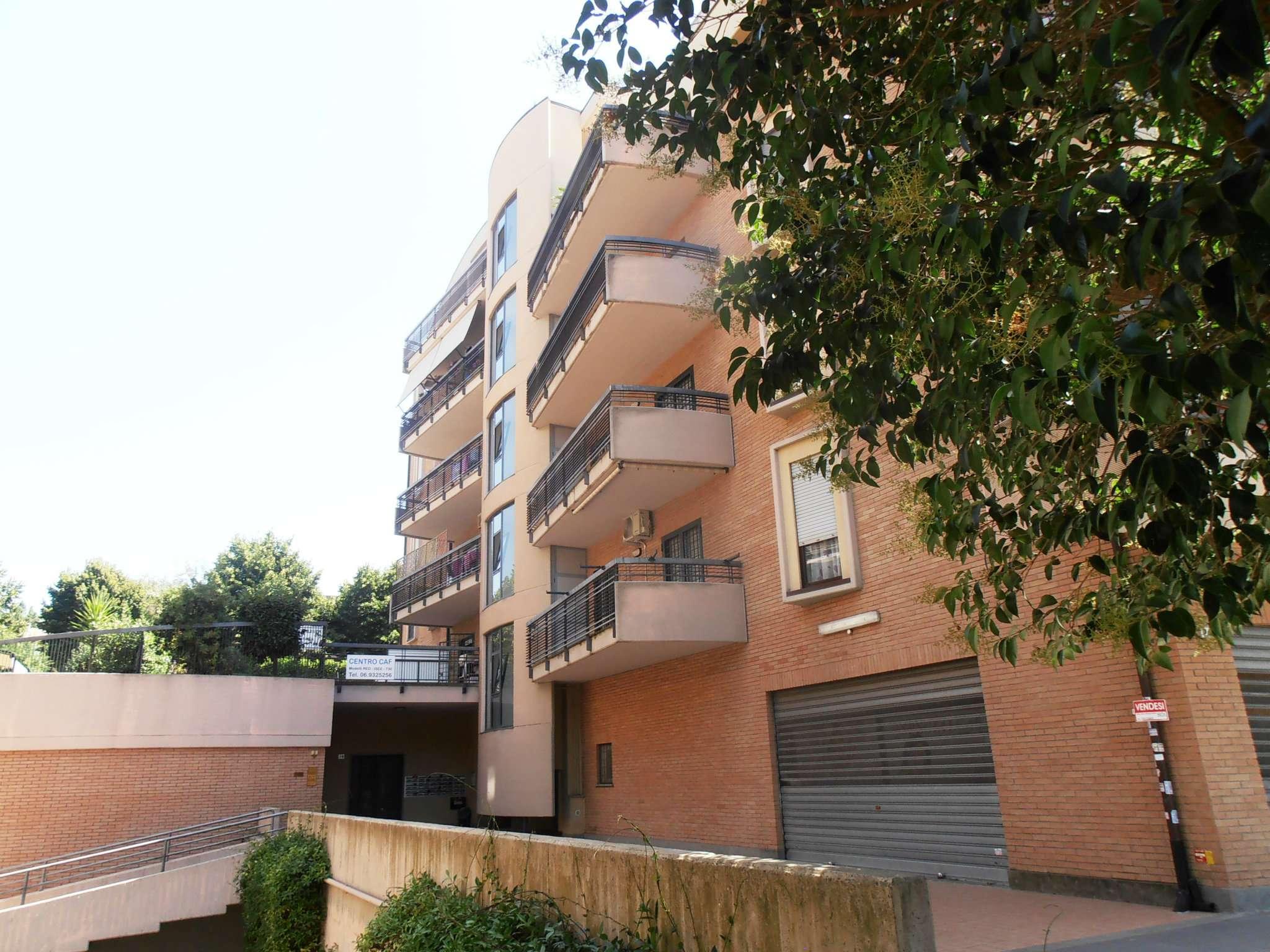 Appartamento in affitto a Albano Laziale, 3 locali, prezzo € 700 | CambioCasa.it