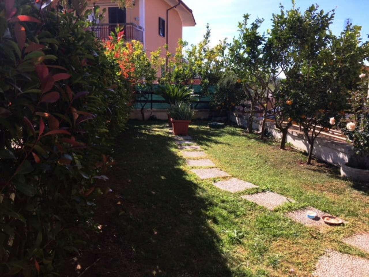 Villa Tri-Quadrifamiliare in Vendita a Lanuvio