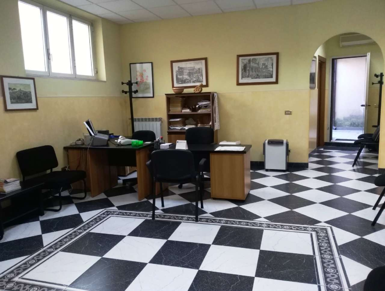 Ufficio / Studio in Vendita a Genzano di Roma