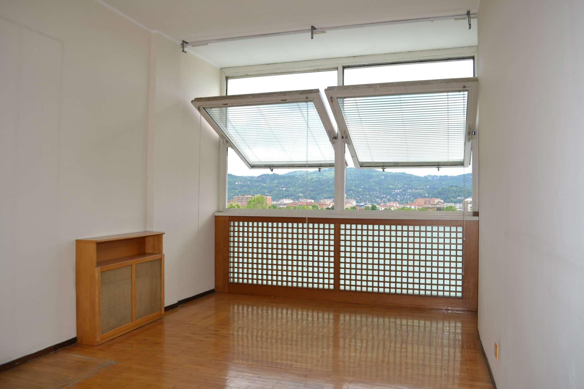 Foto 1 di Appartamento corso IV NOVEMBRE, Torino (zona Santa Rita)