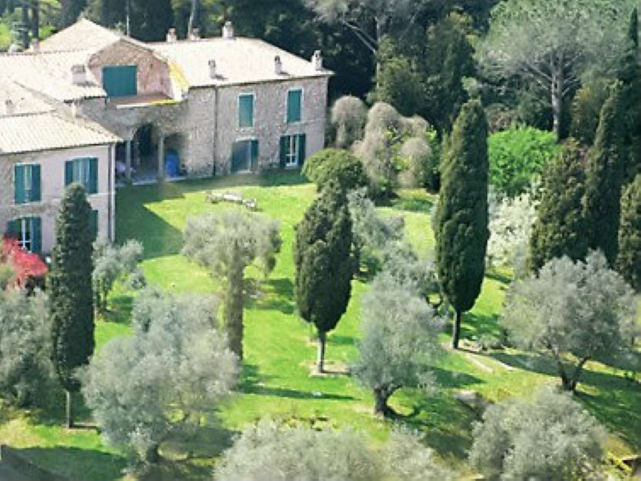 Villa in vendita a Ischia di Castro, 9999 locali, Trattative riservate | CambioCasa.it
