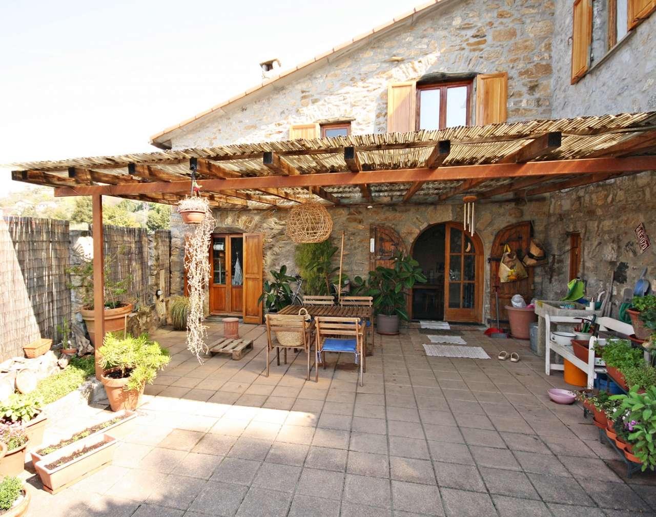 Foto 1 di Villa Via dei Caduti, Leivi