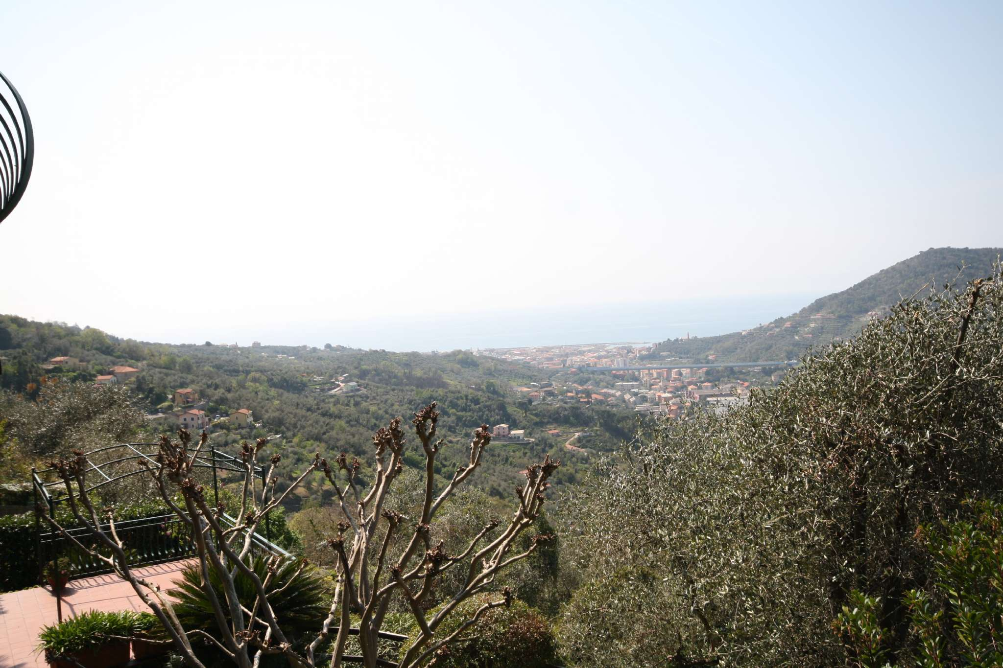 Foto 1 di Quadrilocale via Le Fontane  35, Leivi