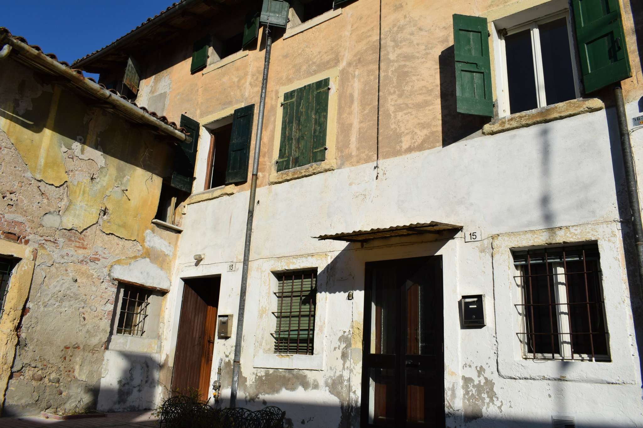 Stabile Intero - Palazzo, Chievo, Vendita - Verona