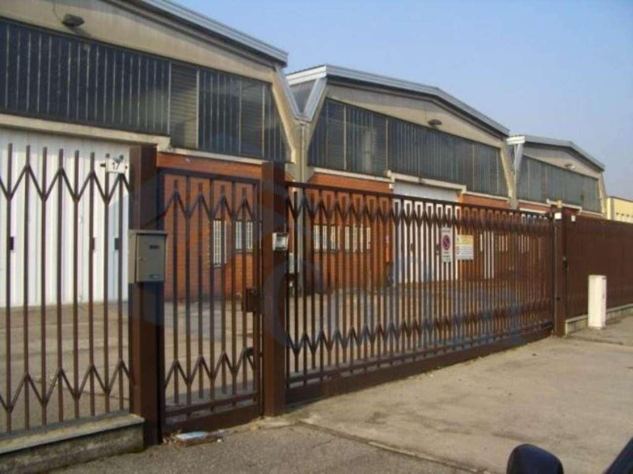 Capannone in affitto a Rodano, 1 locali, prezzo € 9.750 | CambioCasa.it