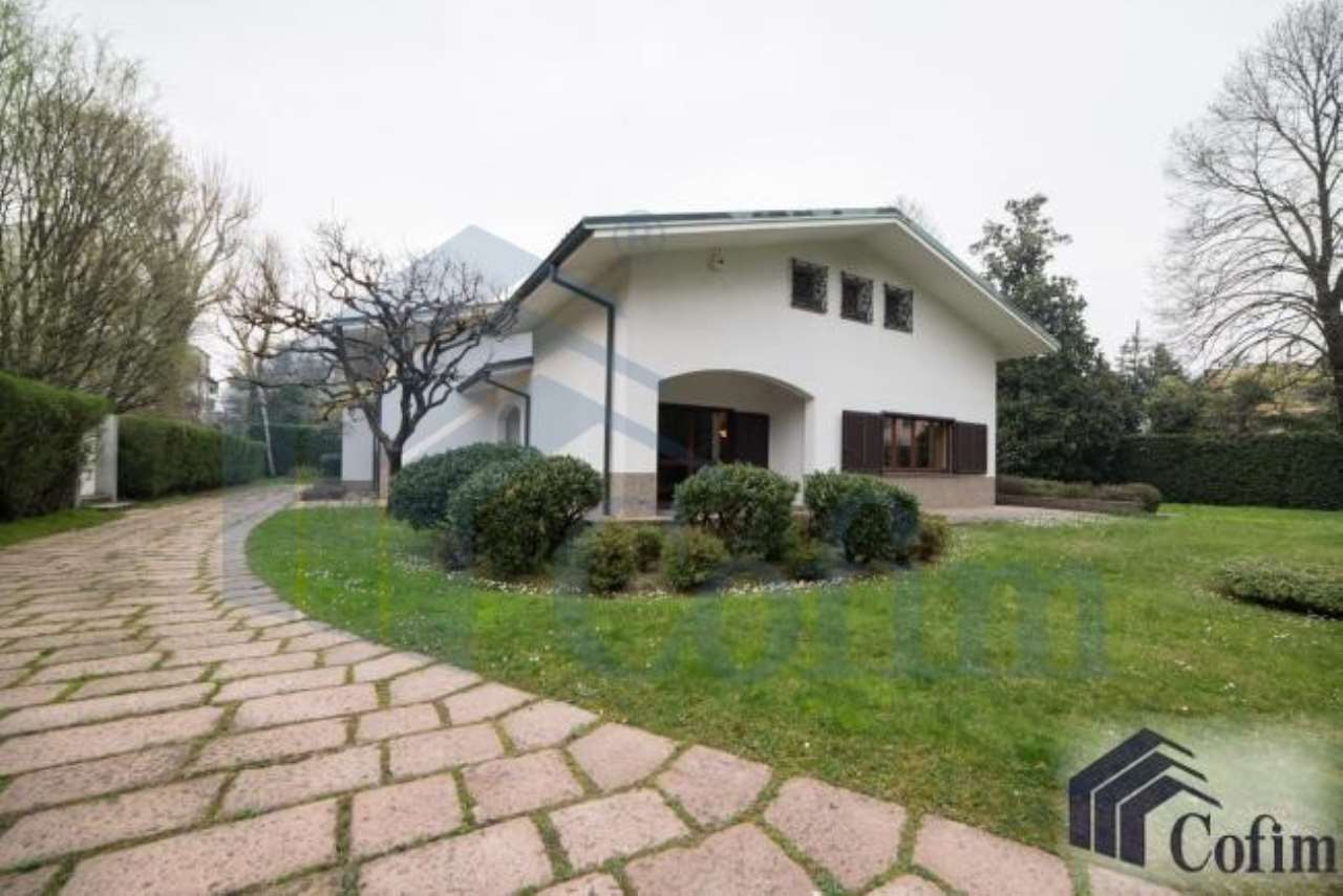 Villa in vendita a Segrate, 12 locali, prezzo € 1.500.000 | Cambio Casa.it